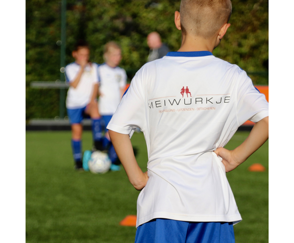 Meiwurkje en Herder voetbalschool gouden team
